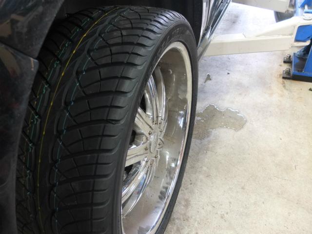 ナビゲーター 24インチ タイヤ交換