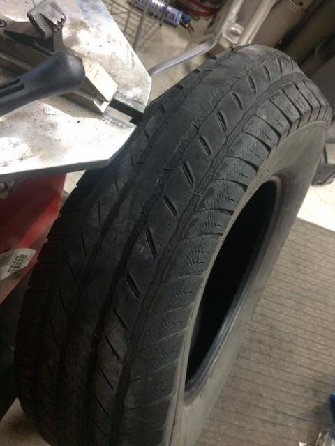 タイヤ 変形 タイヤ交換