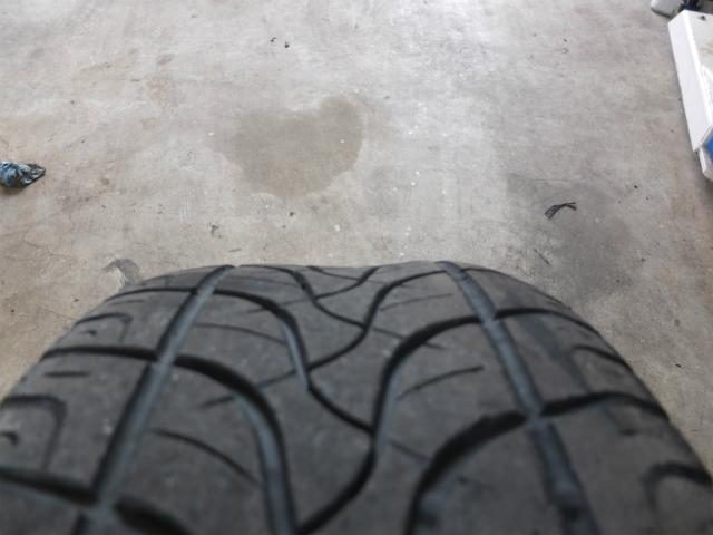 タンコブ パンク タイヤ交換