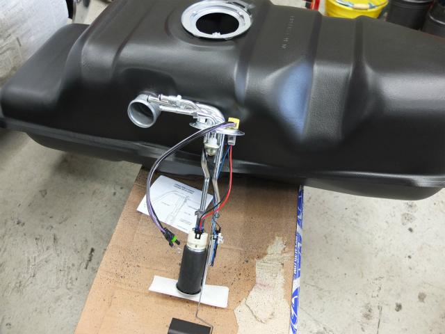 S10 燃料タンク フューエルポンプ