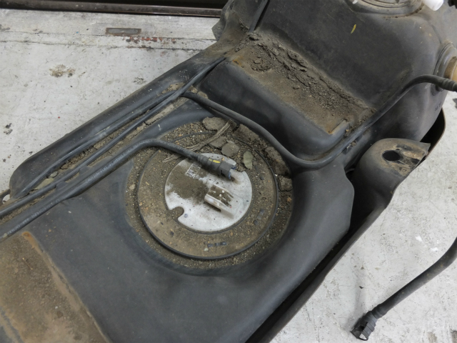 燃料ポンプ JK ラングラー